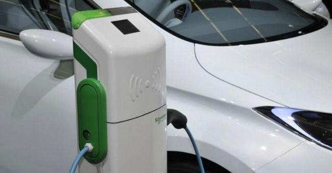Auto elettriche: batterie al grafene si ricaricheranno in 16 secondi