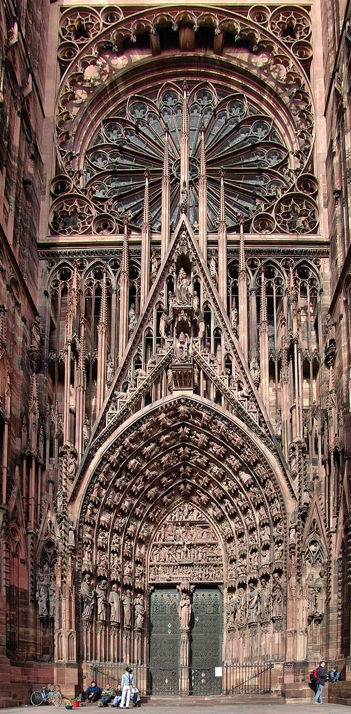 The 25 best ideas about strasbourg cathedral on pinterest for Strasbourg architecture