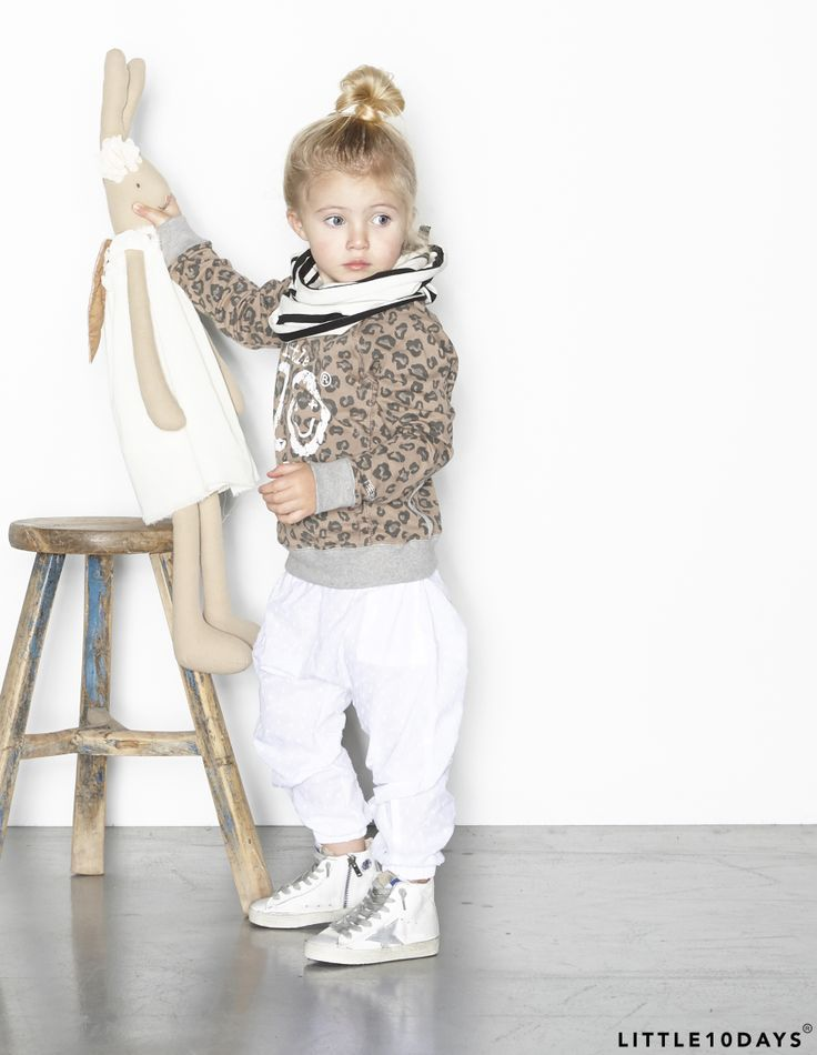 Love this sweater of Little10days new collection