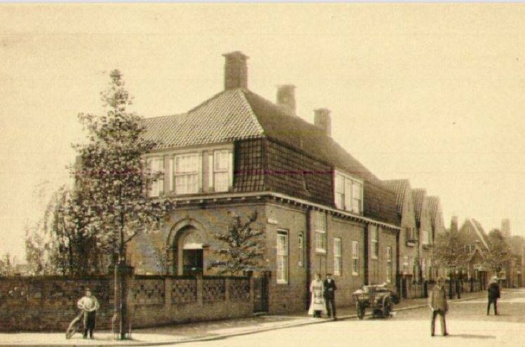 1915,De Heijplaatstraat in het Tuindorp Heijplaat, gezien vanaf de hoek met de Mijdrechtstraat