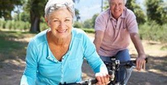 Gezond en vitaal ouder worden! We hopen allemaal ouder te worden, en dan liefst zonder gebreken of ongemakken. Waar kunt u toch tegen aanlopen als u ouder wordt? Wat kunt u doen om zo 'gezond' mogelijk oud te worden. In dit arrangement krijgt u een beeld van de mogelijkheden die u kunnen helpen om gezond en vitaal ouder te worden. Naast een groepssessie wordt via individuele sessies het thema via verschillende invalshoeken met u aangekaart.