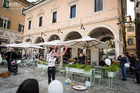 La bontà di Pretto Gelato Arte Italiana nella magia del Caffè Meletti di Ascoli Piceno. Puoi trovare i nostri prodotti anche all'interno dello storico locale del capoluogo piceno. #ilmegliodellanatura #gelatoarteitalian #icecream #best #nelcuorediascolipiceno