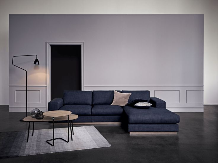 The Sepia sofa range allows you to bring an elegant Italian lounge style into your living room. High comfort and quality materials are perfectly combined with great design and stylish details. The Sepia sofa is available in several models and comes in a wide range of fabrics and colours. As an accessory to the range, the pouf is an easy way to add extra comfort and luxury to the sofa.