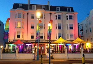 6. LEGENDS: Legends is a gay bar and hotel where there is always plenty going on, with drag acts during the week and great music played by a diverse range of DJ's at the weekends. #BrightonBars http://www.legendsbrighton.com/