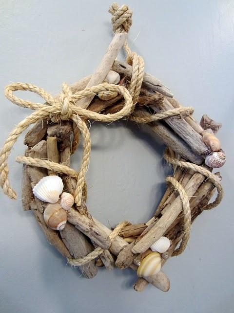 Driftwood wreathWreaths Tutorials, Beach House, Driftwood Projects, Summer Wreaths, Front Doors, Driftwood Wreaths, Shells Wreaths, Diy, Crafts