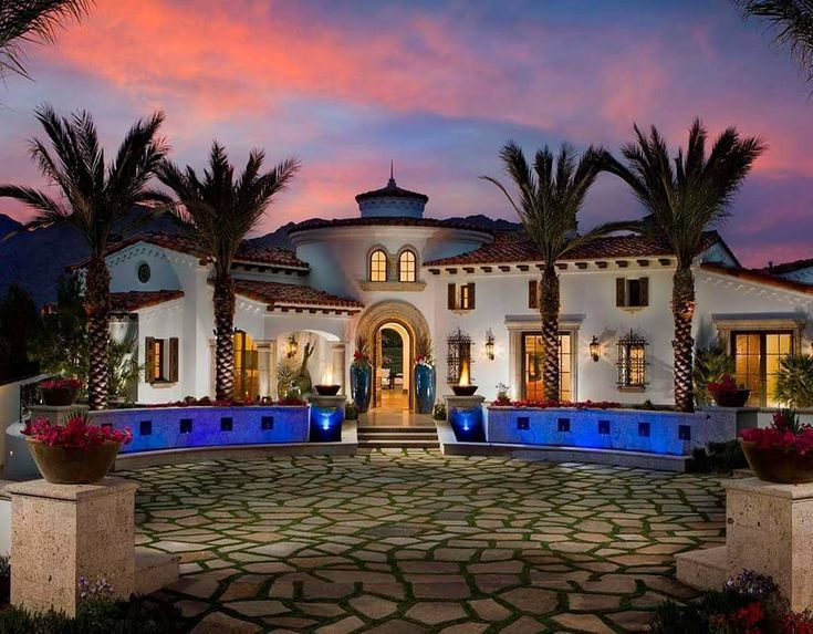 Stunning Spanish Style Home In 2020 Spanish Style Homes Spanish Style Home Mediterranean Style Homes