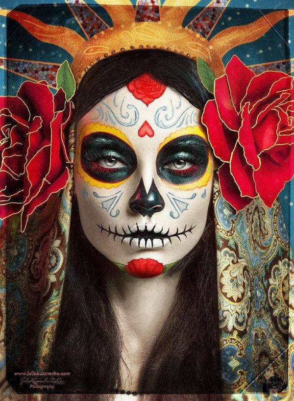 Muchas personas se pintan sus caras en dia de los muertos como una calavera.