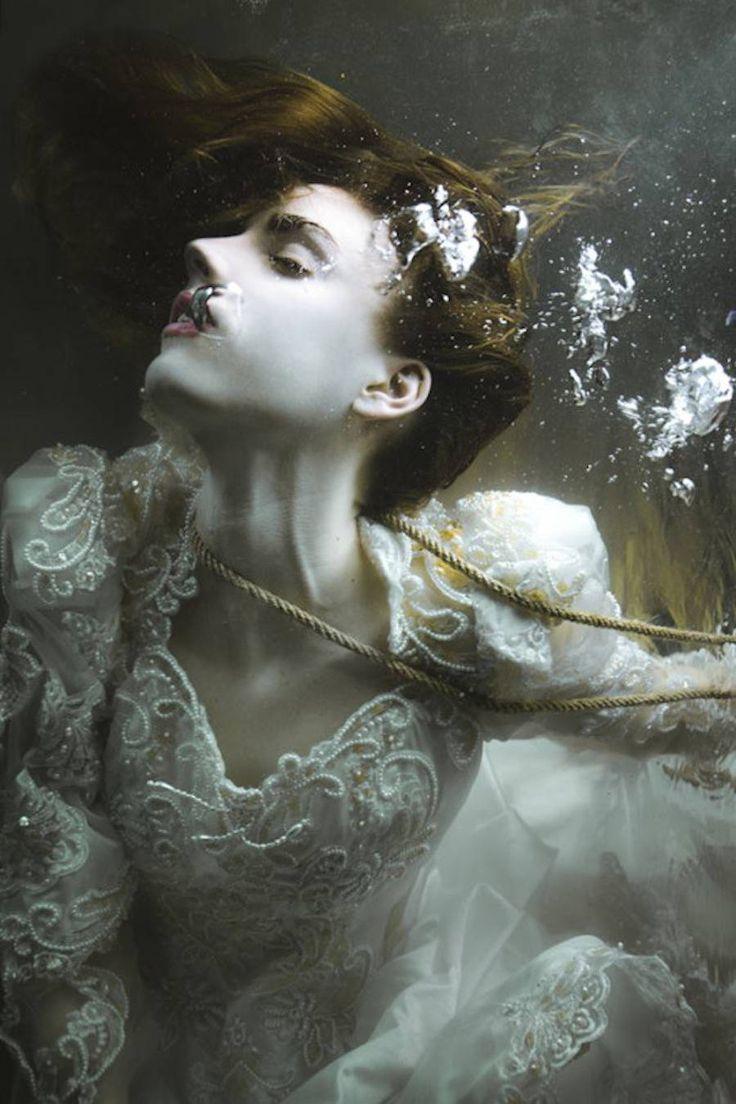 Dark Underwater Women Portraits | Mira Nedyalkova ...