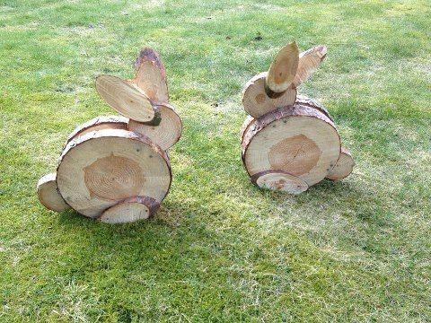 Osterhasis aus Baumscheiben