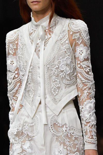 Couture White Lace - Roberto Cavalli