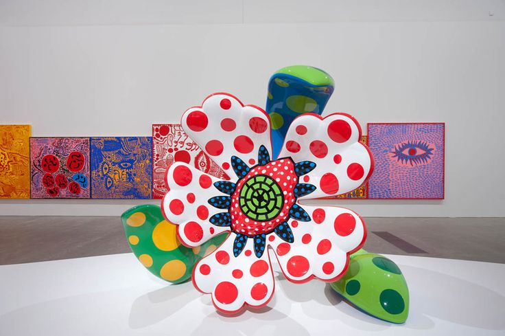Flowers that Bloom at Midnight 2010 / Fibreglass-reinforced plastic, urethane paint, metal frame / 206 x 218 x 123cm