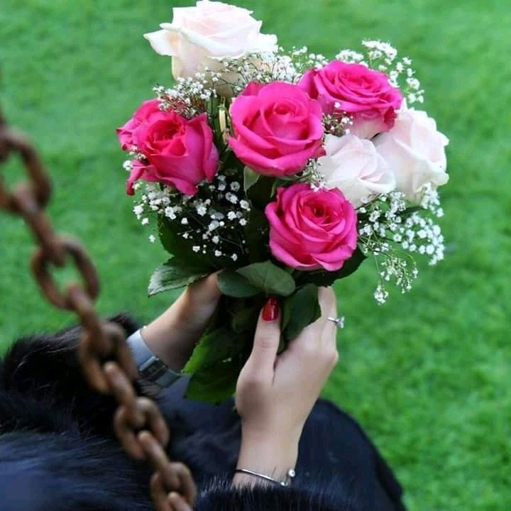 For More Stuff You Can Follow On Pinterest Kubra Yousuf Girls With Flowers Beautiful Flowers Flowers