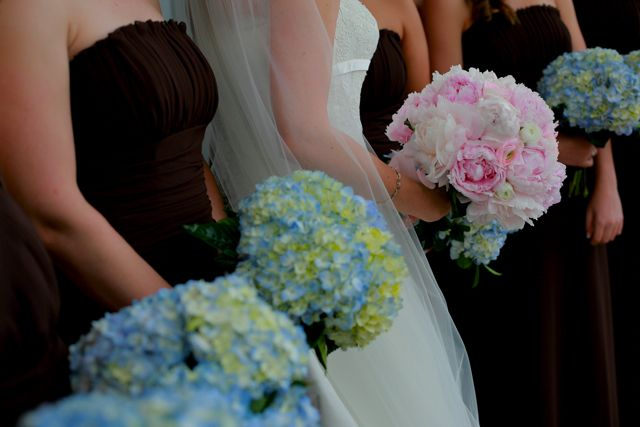 flowers: Ideas Wedding, Inspiration Ideas, Wedding Bouquets, Peonies And Hydrangeas, Bouquets Ideas, Blue Hydrangeas Bouquets, Flower Ideas, Bridesmaid Bouquets, Green Hydrangeas Bouquets