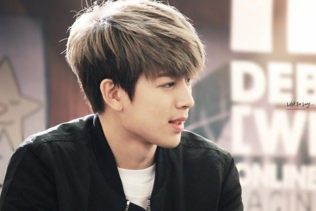 Top 7 Iconic Hairstyles Of K Pop Idols To Inspire Your Next Tragic Kpop Hairstyles Allkpop Forums Anime White Hairs In 2020 Korean Hairstyle Kpop Hair Boy Hairstyles