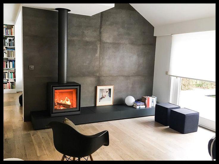 #vandaledesignhaarden #vandaledesignkachels #gentpoortstraat #brugge #vintage #vintagefurniture #stuv #photoshoot #interior #fireplace