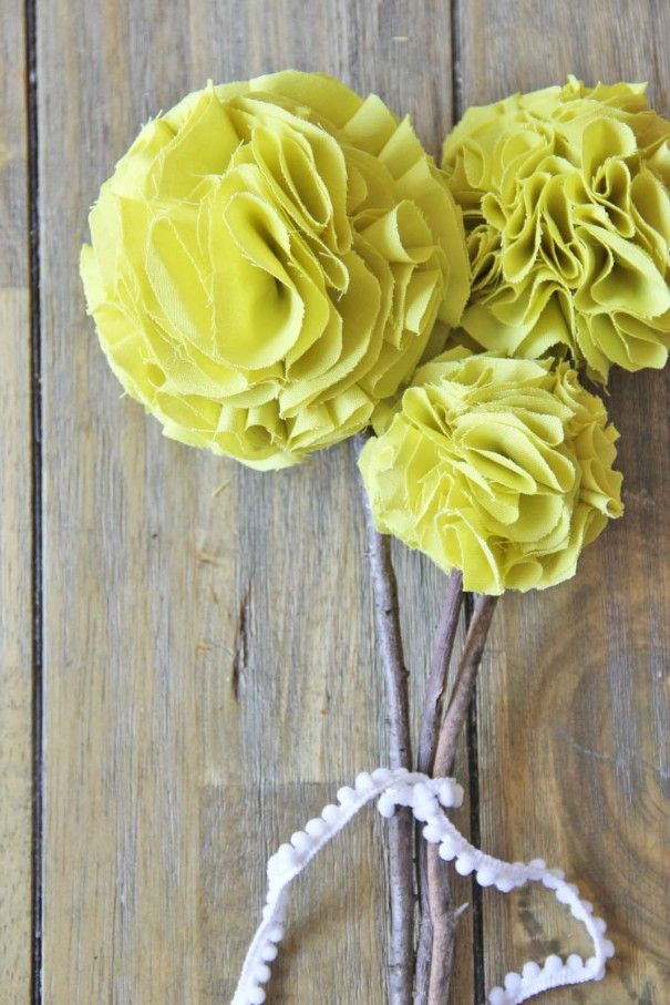 DIY no sew, fabric pom pom flowers