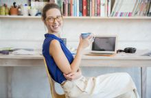Easy Life: 3 Ways to Find a Work-From-Home Job.