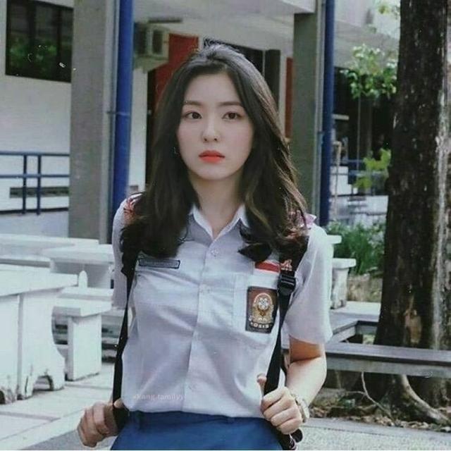 10 Editan Foto Idola Kpop Memakai Seragam Sma Bikin Betah Di Sekolah Gaya Rambut Cepol Gaya Wajah Wanita