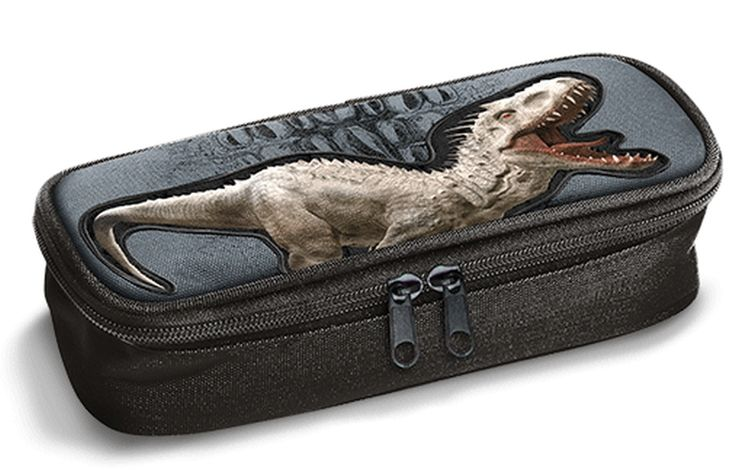 Tutti i tuoi accessori scolastici possono entrare nell'Astuccio bauletto Jurassic World by Gut Distribution.  L'astuccio è dotato di un doppio scomparto dove poter separare ordinatamente penne e matite, e tenere tutto a portata di mano.  Variante unica come da foto.  Dimensioni: 25x6x6 cm