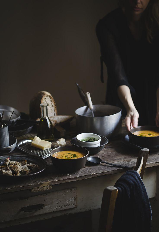 Ravioli al pecorino e miele con burro all'arancia e granella di noci