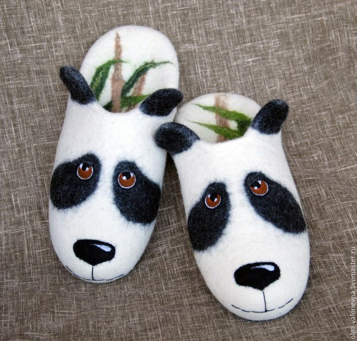 Felted slippers Videotutorial by Olga Demjanova (now in English, German, French and Spanish).