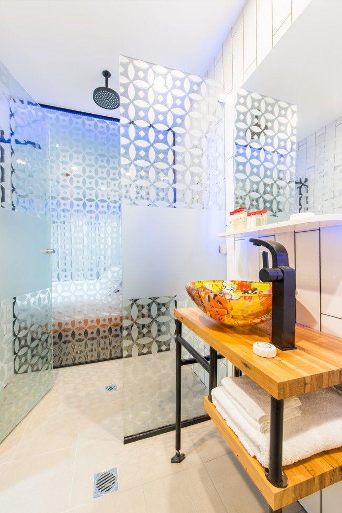 Bathroom - TRYP Fortitude Valley