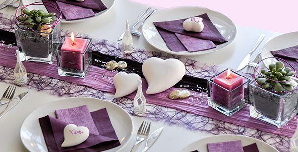 Aubergine und Flieder sind die Tischdeko Trendfarben der Saison. In dieser Tischdekoration zur Hochzeit haben wir beide Farben kombiniert. Mit der ausführlichen Deko-Anleitung ist es auch für Ungeübte einfach, diese schöne Tischdekoration wie gezeigt umzusetzen. Hier ist die Anleitung: http://www.tischdeko-shop.de/Tischdekoration-zur-Hochzeit/Tischdeko-Hochzeit-Aubergine-Flieder/