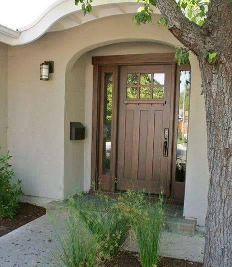 M s de 25 ideas fant sticas sobre entrada de la puerta for Disenos puertas de madera exterior