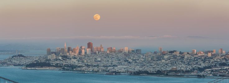 Canon EOS 5D Mark III 190mm/ƒ/10/1/60s/ISO 320 ... // Before the Honey Moon, San Francisco, CA - Was told this nice full moon was to be amber in color tonight so I went up into the Marin Headlands to grab a nice shot of it.  Might not be 'til midnight that it will fully turn amber though, so this looks like a basic full-moon shot.  This is the full-moon rising over San Francisco, CA.