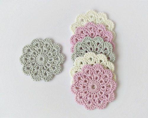 Imagen de home decoration, gift ideas, and crochet coasters