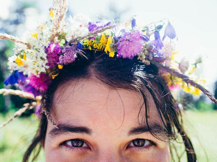 #flowercrown #flower #crown - Summer in France :: Photography Blog - http://eetuahanen.com/blog/