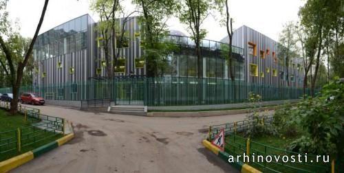 В недавнем времени на северо-западе Москвы было завершено строительство детского образовательного центра, включающего в себя детский сад на 150 мест и начальную школу на 100 мест. Два типа учебных заведений были объединены под единой крышей в первую очередь с...