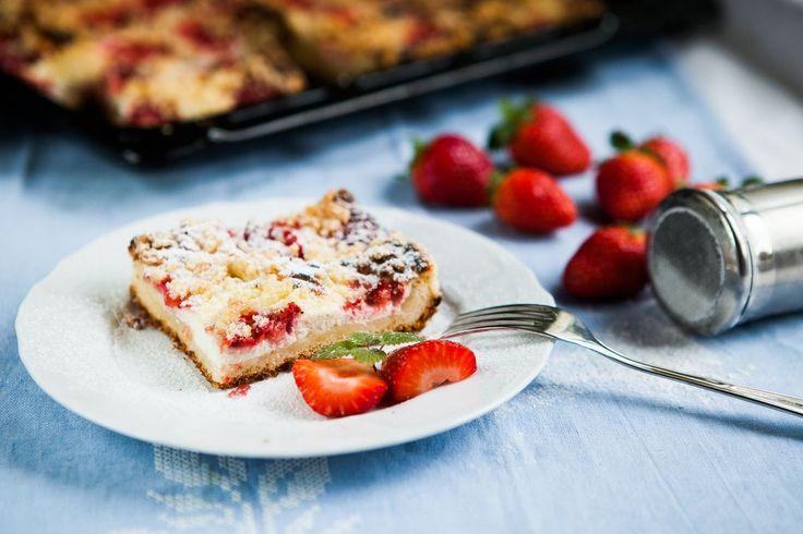 Jahodový koláč s tvarohovou náplní - Proženy