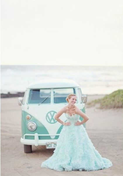 Oserez-vous porter une robe couleur menthe? / Would you dare wearing a mint wedding dress?