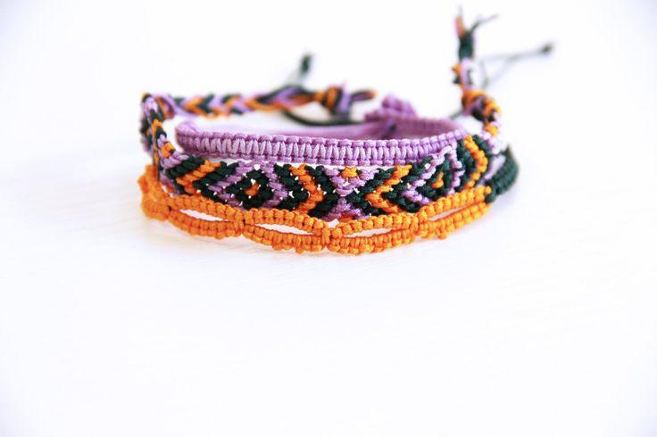 Braccialetti dell'amicizia fatti a mano/set di tre braccialetti macramè/macramè/made in Italy/braccialetti estivi di ItalianVictorianLace su Etsy