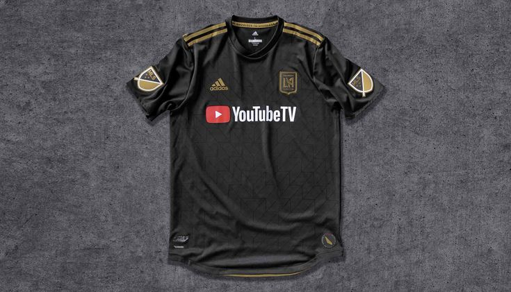 Designing the first ever kit for a brand new football club is usually reserved for the Playstation, but for the 2018 MLS season it was a reality for adidas Design Director, Inigo Turner. The team in question? Los Angeles Football Club – the new stylish kids on the block.