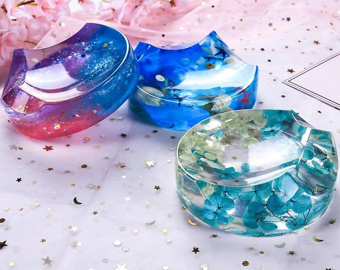 Ou Acheter De La Résine Pour Faire Des Bijoux Etsy L Endroit Ou Acheter Et Vendre Tout Le Fait Main In 2020 Resin Crafts Epoxy Resin Crafts Diy Silicone Molds