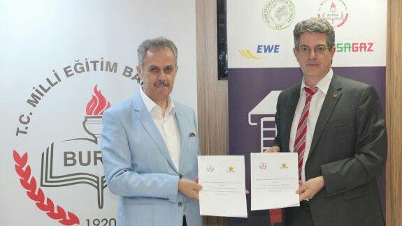 """Bursa MEM ve BURSAGAZ arasında """"EFQM Avrupa Mükemmellik Modeli Eğitimleri İşbirliği Protokolü imzalandı."""