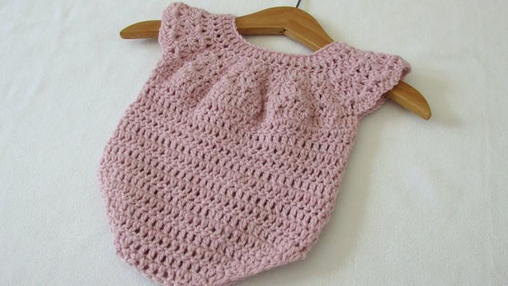This tutorial will show you how to crochet an easy baby romper / onesie. This romper is suitable for beginners. For size 0 - 6 months use a 4.5mm crochet hoo...