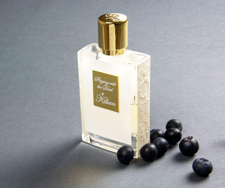 """Perfume is an art for me, a messenger that opens a thousand doors in the memory."" ""Il profumo è un'arte per me, un messaggero che apre migliaia di porte nella memoria"".  Entra nel lusso di By Kilian su https://timeforyourskin.it/marchi/by-kilian  #profumi #fragranze #fragrances #parfums #eaudetoilette #eaudeparfum #bykilian #beauty #bellezza #lusso #luxury #eleganza #beelegant #nicheparfums"