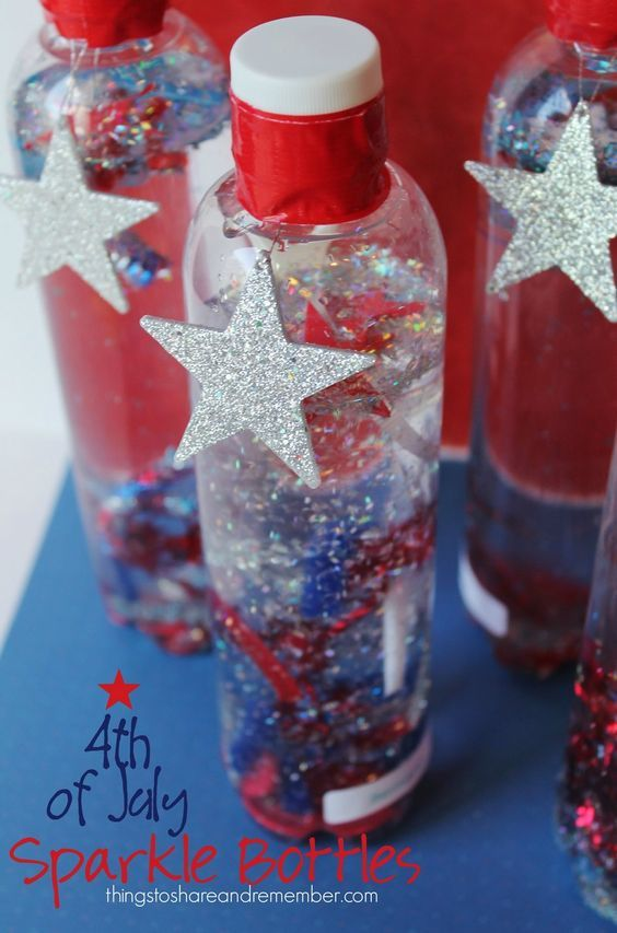 4th of July sparkle bottles are cool 4th of July crafts for the kids to make! They will be playing with them all summer!