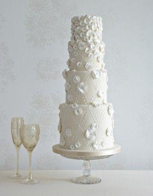Circle Frills & Pearls Wedding Cake