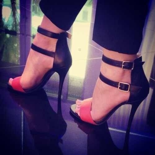 Double ankle strap sandal