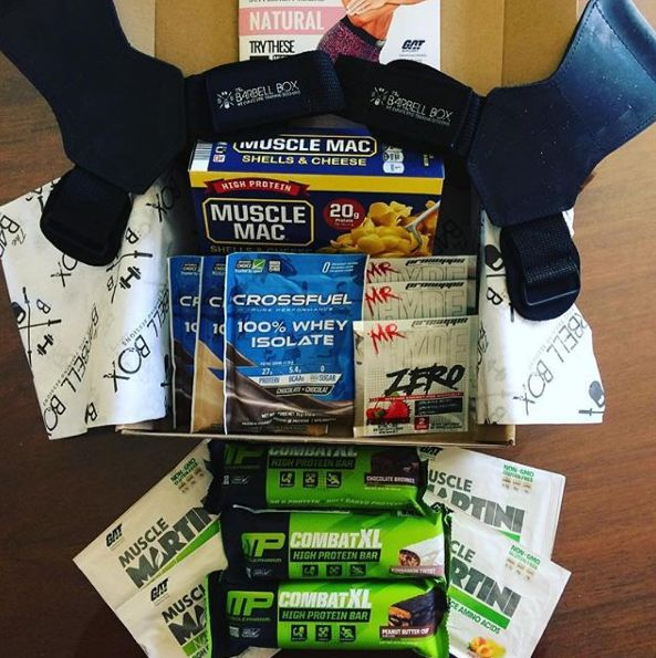 @mel.cam_ufepro has been a subscriber for as long as we can remember. Her photos and reactions to her monthly Barbell Boxes 📦 never seem to disappoint! We've got 11 boxes left for the first 11 people to subscribe by clicking on the link in our bio. ・・・ May's #barbellbox came loaded with THREE @musclepharmcan CombatXL bars, @musclemac2016 shells and cheese (um, hello!), @prosupps_canada Mr.Hyde Zero preworkout, @gatsupplements Muscle Martini BCAAs, @crossfuelpureperformance 100% Whey Isolate…