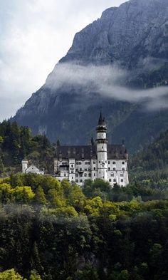 Noyshvaynshtayn Landscapes, Germany
