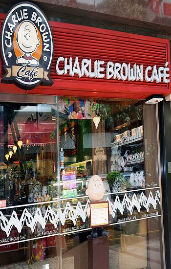 Charlie Brown Café Hong Kong, South Korea, Singapore I want to go HERE!!