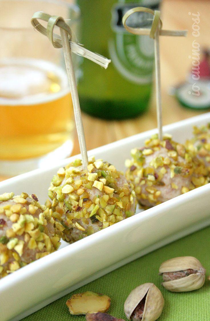 Tartufi salati mortadella e pistacchi