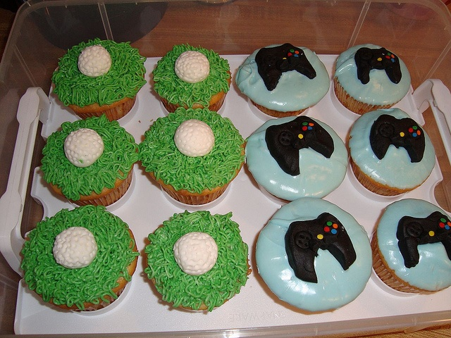 Golf Cupcake Images : 62 best images about Edible Golf Treats on Pinterest ...