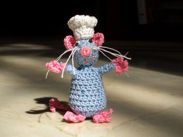 Ratatouille Rat free crochet pattern by soulcrochet on Crafster  ༺✿Teresa Restegui http://www.pinterest.com/teretegui/✿༻