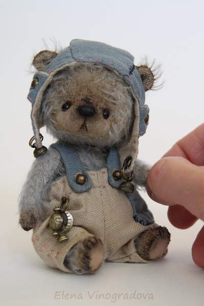 """Ell By Elena Vinogradova – Friends, meet a little teddy bear in a vintage style – one of my new teddy bear collection """"5 """"(view/check other bears – they are on Bear Pile too). ——————- sitting 10,5cm———————- One-of-a kind. ———————- The bear ha…Penelope Spinkbottle"""